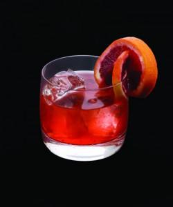 Bebidas coloridas Bloody Brilliant Negroni