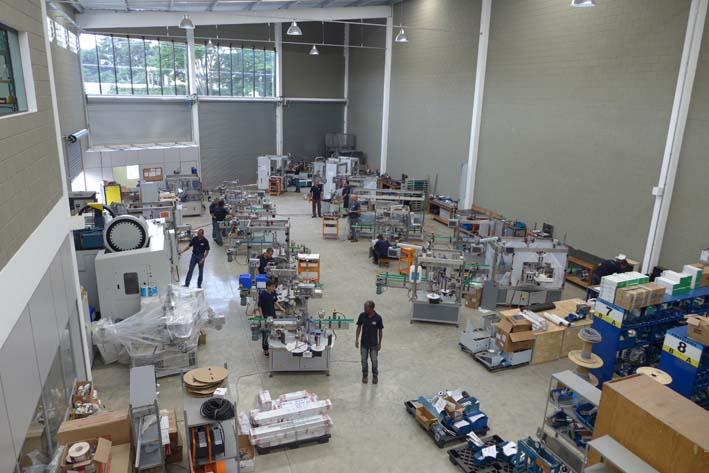 Fábrica da P.E. Latina em São Paulo produz mais de 100 rotuladoras por ano e já tem mais de 800 rotuladoras instaladas